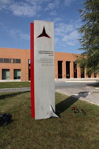 Memorial_de_las_Brigadas_Internacionales_en_la_Ciudad_Universitaria,_Madrid_(España)